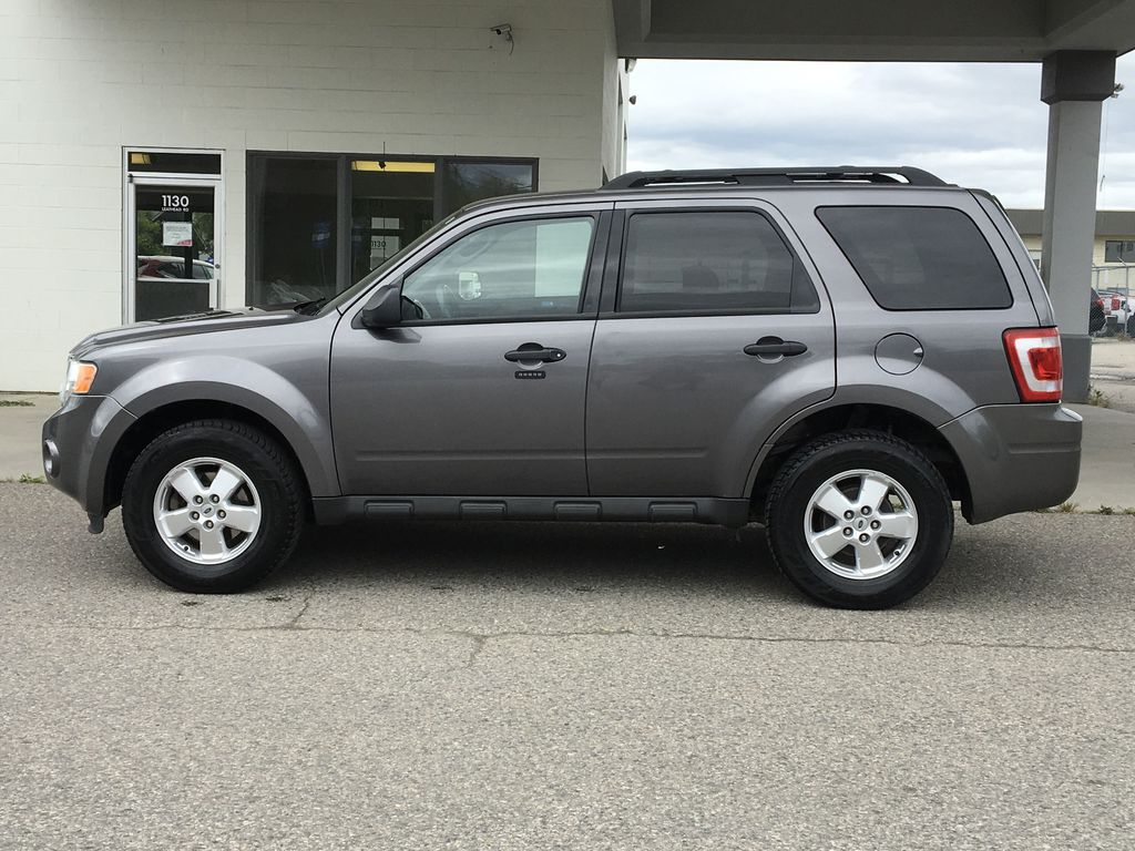 Pre-Owned 2011 Ford Escape XLT I 5 Speed Manual I FWD