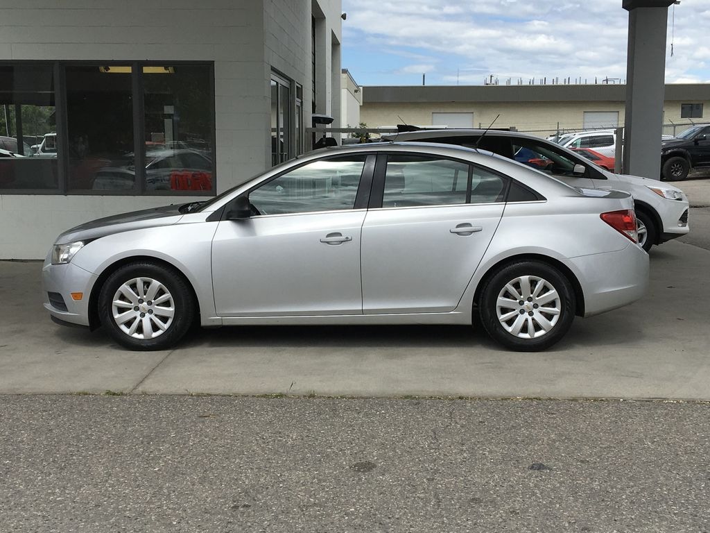 Pre-Owned 2011 Chevrolet Cruze LS+ w/1SB