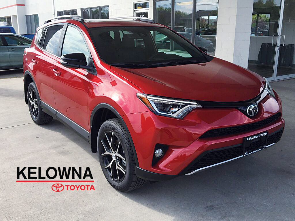 new 2017 toyota rav4 se 4 door sport utility in kelowna 7rv7265 kelowna toyota. Black Bedroom Furniture Sets. Home Design Ideas