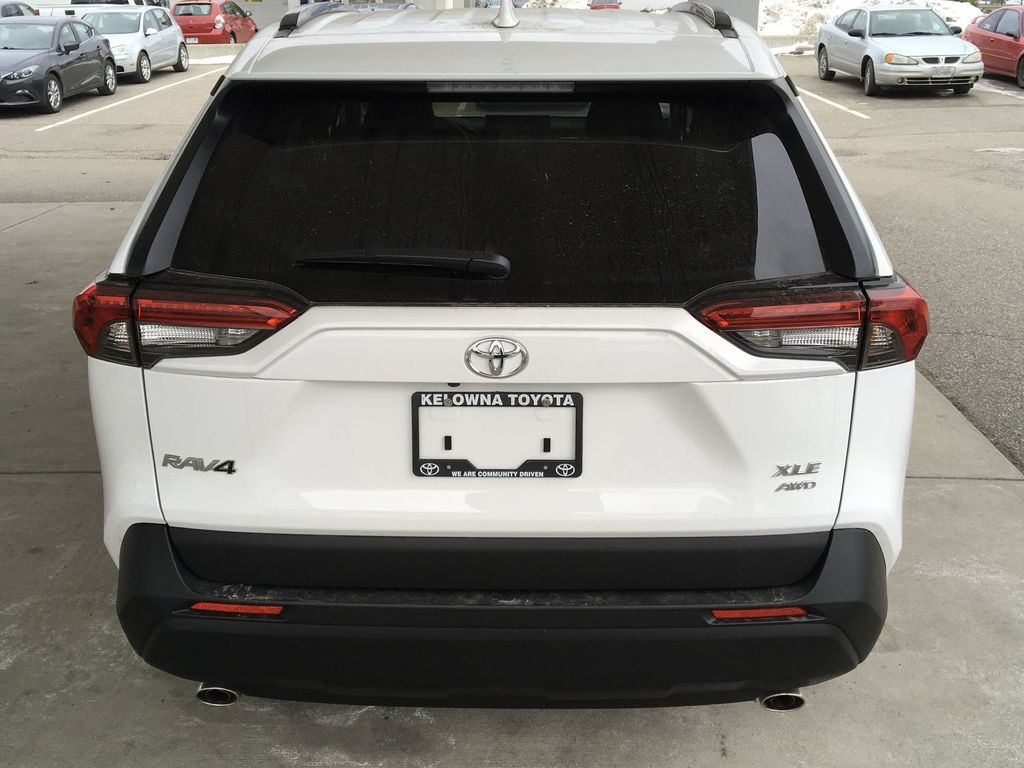 New 2020 Toyota RAV4 XLE I Multi-Terrain Select I Moonroof