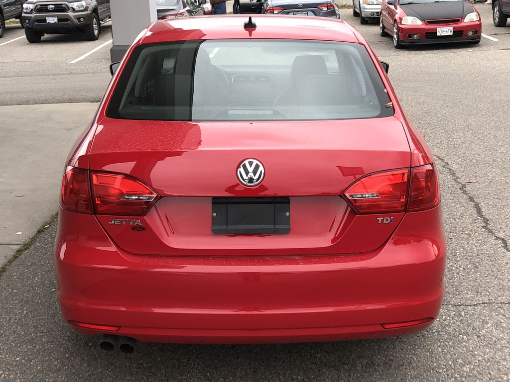 Pre-Owned 2014 Volkswagen Jetta Sedan Highline