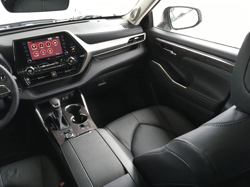 New 2020 Toyota Highlander Limited I Leather I Premium Paint