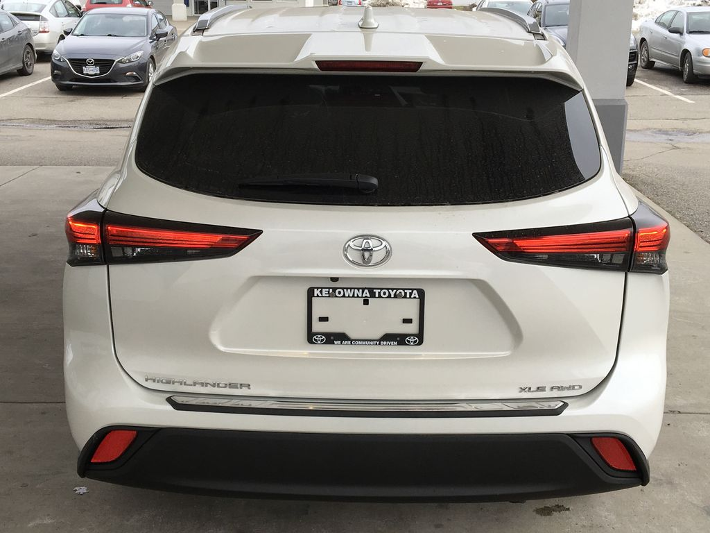 New 2020 Toyota Highlander XLE I Premium Paint