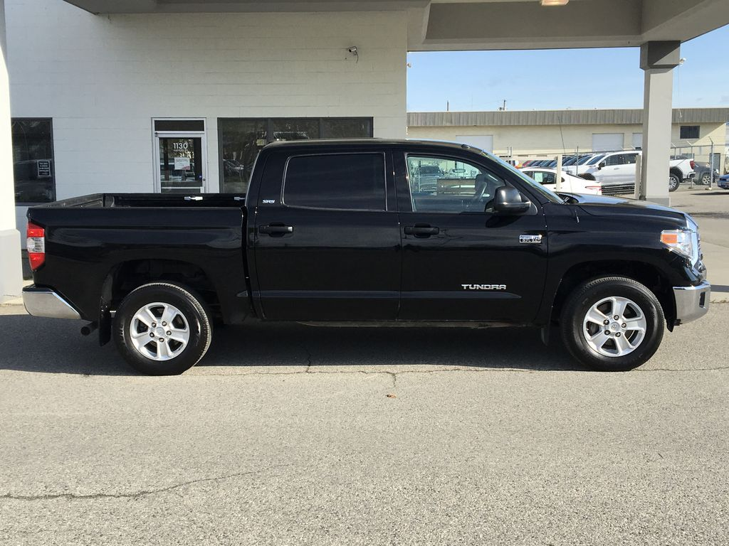 Pre-Owned 2017 Toyota Tundra SR5 Plus