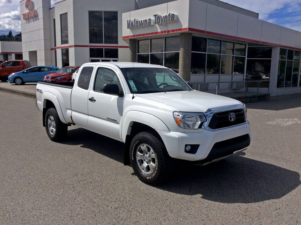 certified pre owned 2014 toyota tacoma trd offroad package 4wd 4 door pickup in kelowna p4692. Black Bedroom Furniture Sets. Home Design Ideas