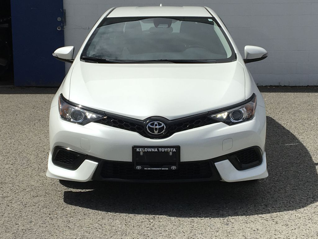 Pre-Owned 2018 Toyota Corolla iM 6 Speed Manual Trans I Air Conditioning I Alloy Wheels