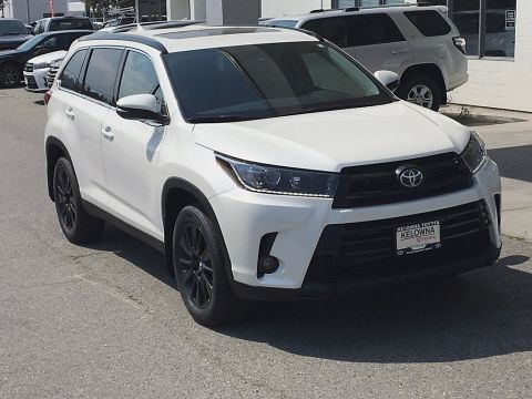 New 2019 Toyota Highlander XLE I SE Pkg. I 19 Inch Black Alloy Wheels I Premium Paint