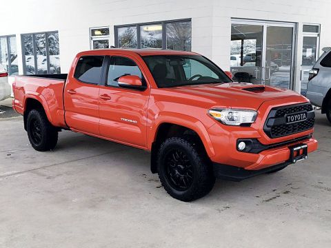 Pre-Owned 2017 Toyota Tacoma TRD Sport 4X4