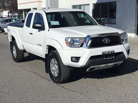 Pre-Owned 2015 Toyota Tacoma TRD OFF ROAD